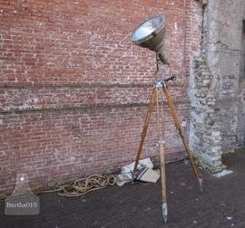 Fabriekslamp op statief (132121)..verkocht