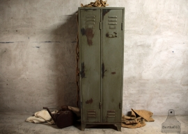 70 jaren oude  locker (132366)..verkocht
