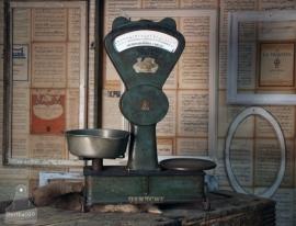 Geleefde antiek weegschaal (130978)..verkocht