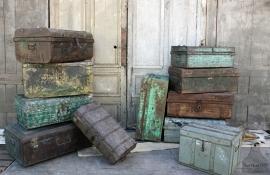 Stoere ijzeren reiskoffer (132024)..verkocht
