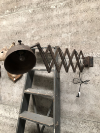 Oude gepatineerde Bauhaus  schaarlamp (144856)