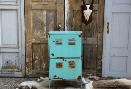 Industriële turquoise kast (131360)..verkocht