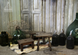 Houten krukje (132654)..verkocht