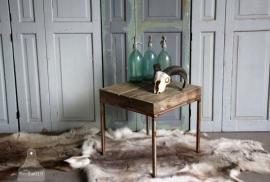 Sloophouten balken tafeltje (131136)..verkocht
