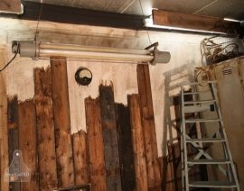 Oude industriele hangende TL lamp niet omgebouwd (130852)