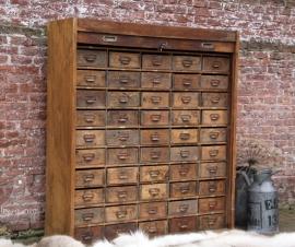 Oude roldeur industriële ladekast (131458)..verkocht