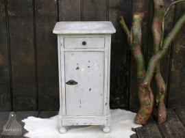 Antiek geleefd kastje (130655)..verkocht