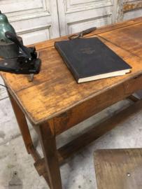 Oude lessenaar (143731) verkocht