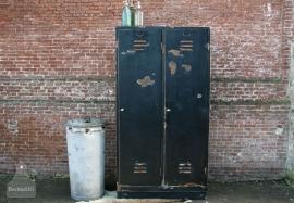 Industriële zwarte locker (131044)..verkocht