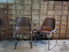 Industriële stoel met zitting van runderleer (133105)