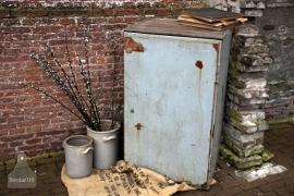Grijze ijzeren kast (131907)..verkocht
