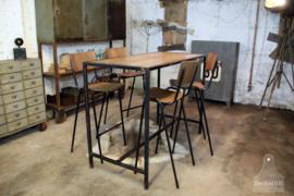 Hoge schoolstoel, barkruk , zwart verroest, vast in assortiment (135032)