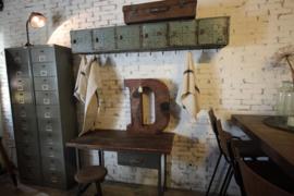 Oude ijzer locker kapstok (136546)..verkocht