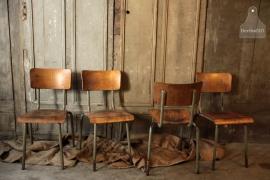 4 originele Tubax schoolstoelen (132469)..verkocht