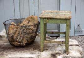 Oude kruk groen (131308)..verkocht