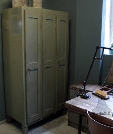 Oude houten locker (132275)..verkocht