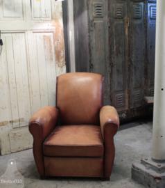 Oude Franse fauteuil van schapenleer(136115)