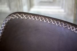 Industriële stoel met zitting van runderleer (132638)