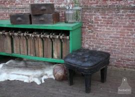 Oude geleefde poef (131212)....verkocht