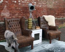 Oude lederen stoel  (130170) ..verkocht
