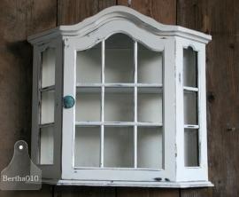 Oud hangkastje wit (130045)...verkocht