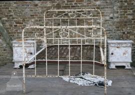 Antiek Frans gietijzeren bed (130266)..verkocht]