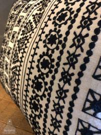 Kussen zwart wit 'midden' (138295)