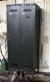 Oude fabriekslocker (131489, 490, 491) verkocht