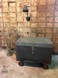 Oude W.O. 2 kist (138544) verkocht