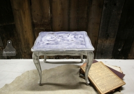 Landelijk tafeltje (130780)..verkocht