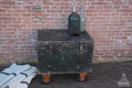 Oude verzendkist op wielen (136713) verkocht