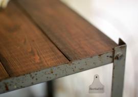 Industrieel rek met oud hout (133253)....verkocht