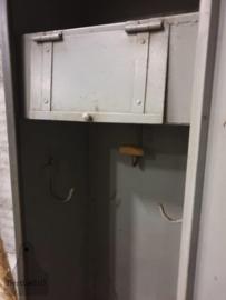 Antieke 2 deurs locker (143962) verkocht