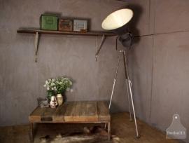 Industriële lamp op statief (131062)..verkocht