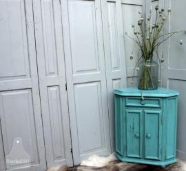 Geleefd turquoise hoekkastje (131184)..verkocht