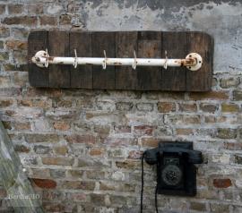 Industriele kapstok oud hout (130353 en 130354)