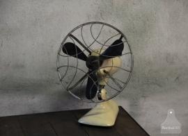 Oude industriële ventilator (132441)...verkocht