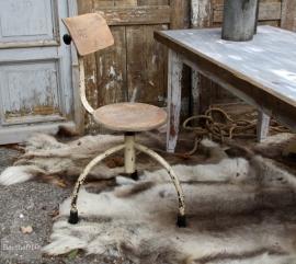 In hoogte verstelbare industriële stoel (131431) verkocht
