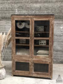 Oude vitrinekast (144508) verkocht