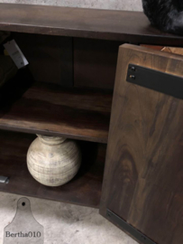Visgraat 3-deurs dressoir (144008)