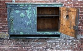 Oud geleefd hangkastje (131034) verkocht