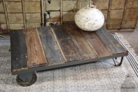 Oude fabriekstrolley (134636)