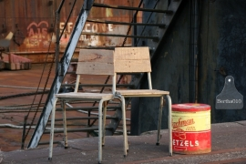Industriele stoelen (130397 en 130398)..verkocht