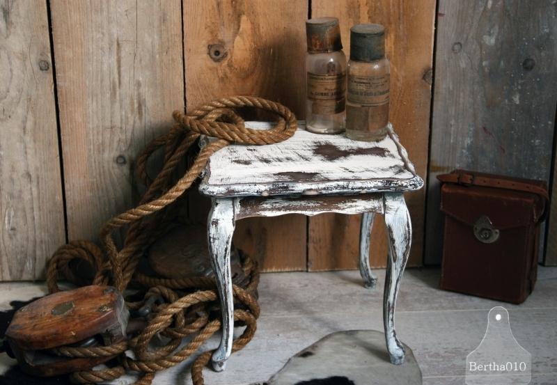 Oud Klein Tafeltje.Oud Landelijk Klein Wit Tafeltje 101112 Verkocht