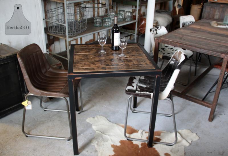 Industriële horeca tafel op maat, scheepsluiken (133518)
