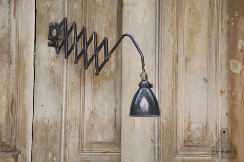 Scharnierlamp AGI (133630)..verkocht