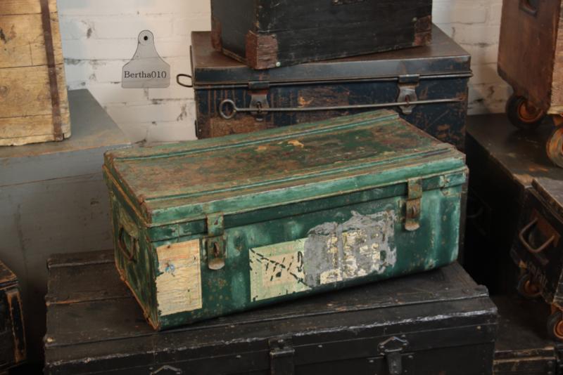 Oude reiskist (136109) verkocht