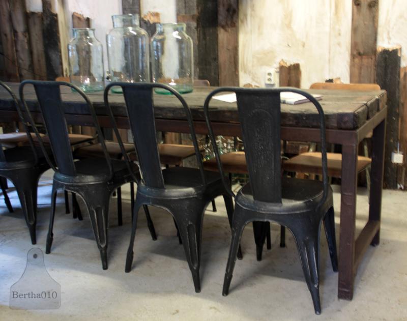 IJzeren industriële stoel (132571) verkocht