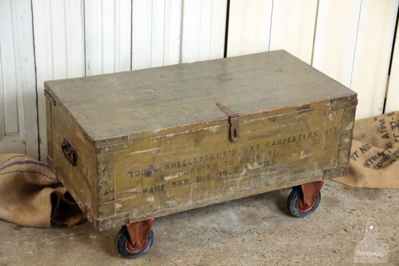 Kist Op Wielen.Kist Op Wielen Uit Eerste Wereldoorlog 135305 Verkocht