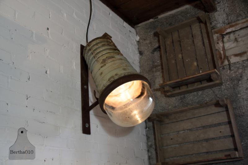Industriële fabrieks wandlamp (133272, 133275, 133279) verkocht